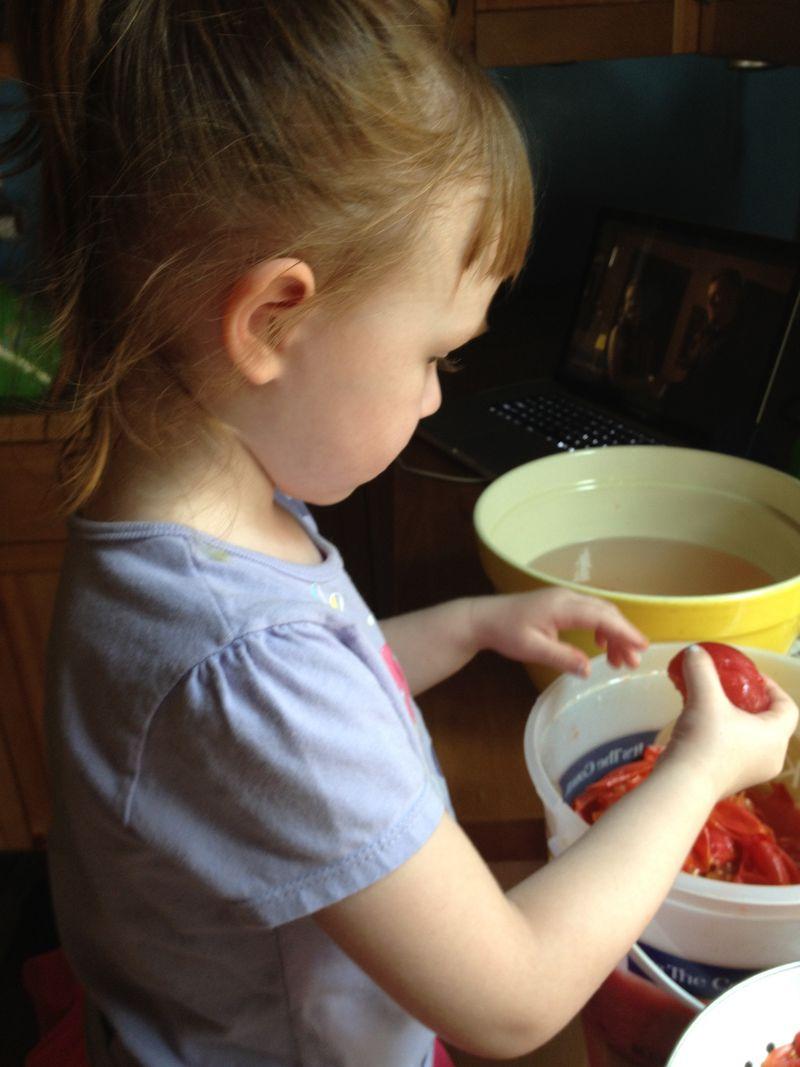 tomato peeling assistant
